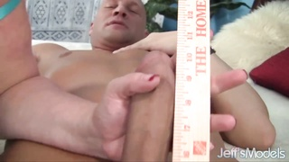 BBW Hoe Avery Rose Gets Hard-on