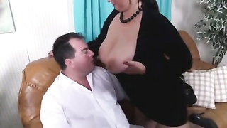 Brunette Amateur-BBW Penetrated By Old Fellow