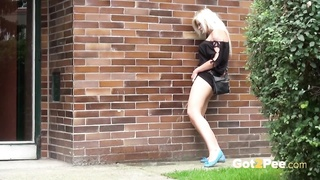Got2Pee – Public Pissing Compilation 1 Non Stop Version